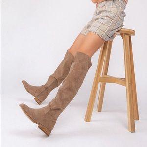 Knee High GWEN boot